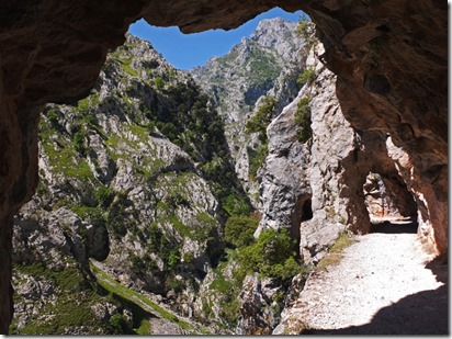 Ruta-del-Cares-Tunnel